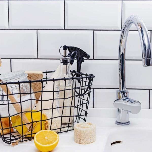 Ekologiczne środki do czyszczenia łazienki – czy są skuteczne?