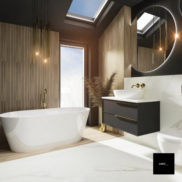 Czarna łazienka na poddaszu ze złotem i drewnem!